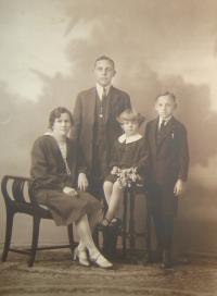 Parents, brother and Zdena Zajoncová