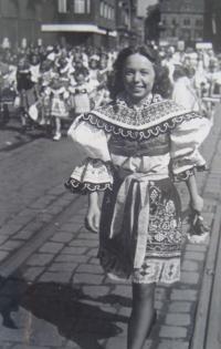 Zdena Zajoncová, Ostrava 1945