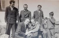 František Motyčka s přáteli v Lanškorouně