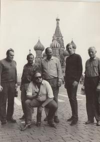 Moskva 1969, pracovně s karlínským divadlem. Dohalský sedící.