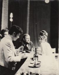 Ples v hotelu Savoj Brýdová, Vopálka, Antonín uprostřed