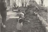 Zahrada u domu Dohalských na zámku v Lysé nad Labem