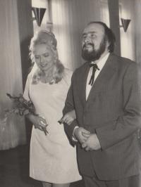 1974 Svatba pamětníka Antonína Bořka - Dohalského s Ivou Kotkovou
