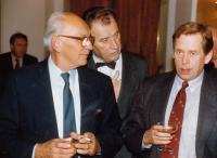 s Václavem Havlem krátce po pádu komunistického režimu