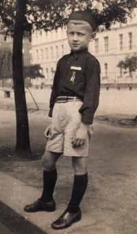 Josef Koutecký v sokolské uniformě, slet 1938