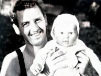 Pamětník s dcerou Alenou, rok 1963