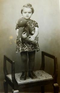Erika Schlegelová (Bednarská) v roce 1951