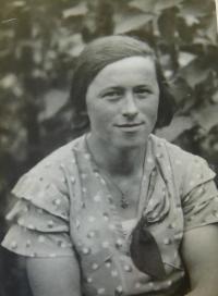 Matka Angela Schlegelová