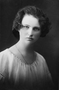 Maminka Marie Pavelková, 1922