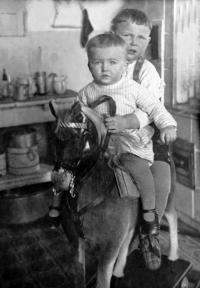 Bohumil a František, 1. 1. 1931