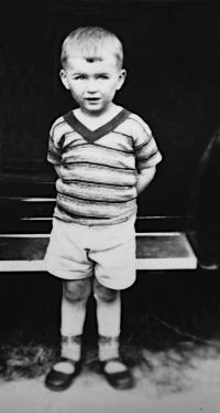 1933, František