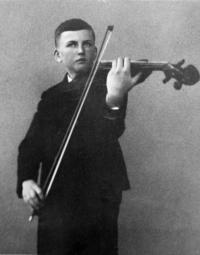 1941, František s violou