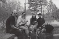 1990 Jaroslav Róna sochař, Dočekal, Jiří Štrébl s manželkou, Rataje nad Sázavou