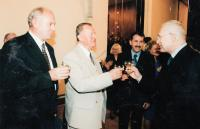 1995, setkání s V. Klausem, udílení obecního znaku a praporu