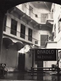 Divadlo Na zábradlí, působiště K. M. a Václava Havla, 1960