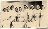 naše zdravotnice - 1944 - Kyjev. Závodská - Kudrnová čtvrtá zprava