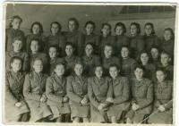 naše zdravotnice_1944_Kyjev_Závodská druhá zprava nahoře