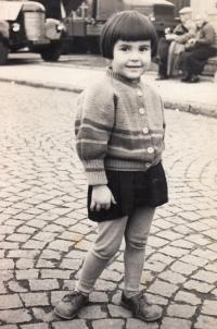 r. 1957