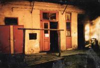 Dvůr rodného domu ve Štefánikově 19 (60. léta)