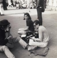 Na Picadilly Square v Londýně (1969)