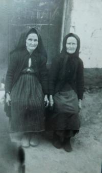 Babičky Steriani Bulgari a Despini Botckari
