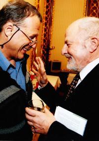 s Petrem Uhlem 1999, narozeniny Jičínského