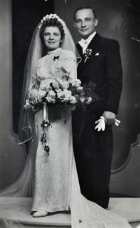 1. svatba matky Lýdie s otcem Josefem Talagou / Ostrava / 1940