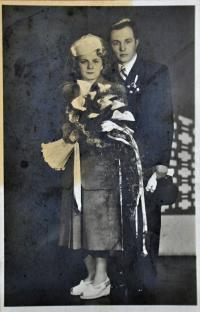 2. svatba matky Lýdie s Karlem Rozehnalem / Ostrava / 1949