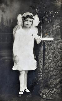 Matka Lýdie u prvního přijímání / Ostrava / asi 1927