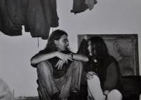 Jan Král s přítelkyní Jitkou na jedné z undergroundových akcí / někde na Šumpersku / 80. léta