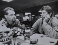 Jan Král při rozhovoru s redaktorem radia Svobodná Evropa Martinem Štěpánkem / Mnichov / 1990 nebo 1991