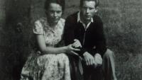 Pod rozhlednou s budoucí manželkou Májou, Aš 1958