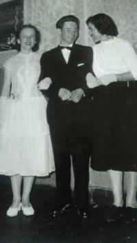 Maturitní ples, mezi budoucí ženou a tchýní, Aš 1959