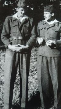 Jako voják (vpravo), Kostelec nad Orlicí, 1959