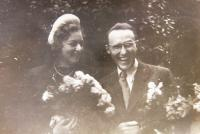 Wedding photo - Lisa Kumermann (Elishevy Gidron) and Ja´akov Wurzel, 1945, Prague