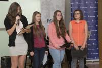 Žákyně ze ZŠ Tusarova prezentují příběh L.Šedinové, květen 2017