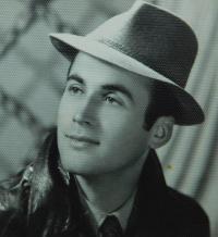 Manžel Fotis Bulguris v roce 1956