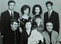 Rodina- dole rodiče a dědeček Andreas Tcapas v roce 1967