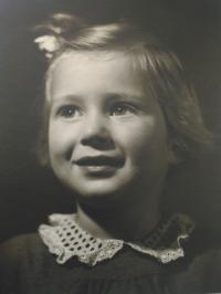 Dětství, 3 roky (1944)