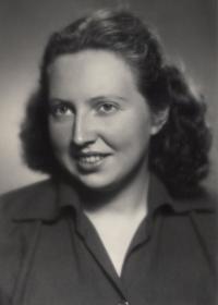 Absolutorium  na Pražské konzervatoři 1951 (studium 1943-1951)