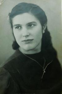 Anna Ringová (Lišková) v roce 1947