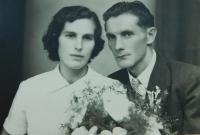 Svatební fotografie Anny a Josefa Liškových z roku 1953