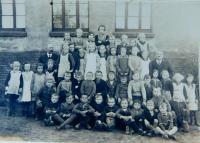 Školní ročníky 1929, 30, 31, 32 v obci Wahowitze