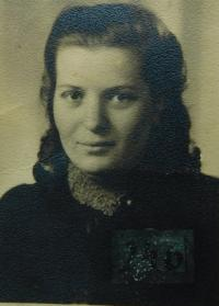 Sister Dagmar Simkova (Srovnalova). Photographed in 1943 during her forced deployment in Germany.