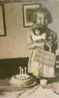 Věra Doušová v roce 1950