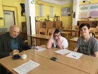 Milan Práger s žáky z projektu Příběhy našich sousedů