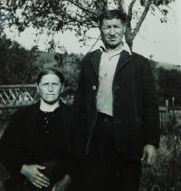 Rodiče Fotis a Argiro Kiriazopulosovi v Nových Vilémovicích