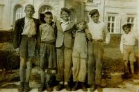 Řecké děti v dětském domově v maďarské obci Högyesz.