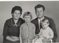 S dcerami Renatou a Reginou