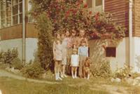 Manželé Konstantin a Julie Kargerovi s dětmi Konstantinem, Václavem, Marií, Janem a Jůlií